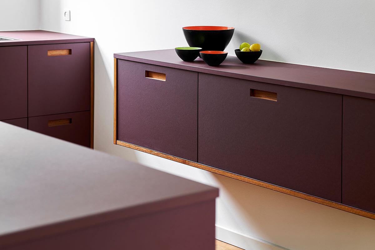 FormPlus-Plus2-linoleum-burgundy-3