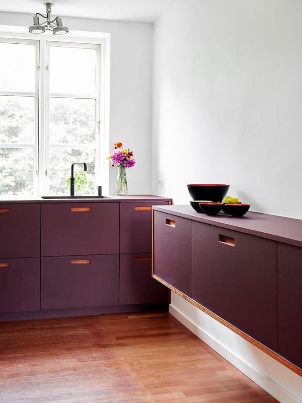 FormPlus-Plus2-linoleum-burgundy-9